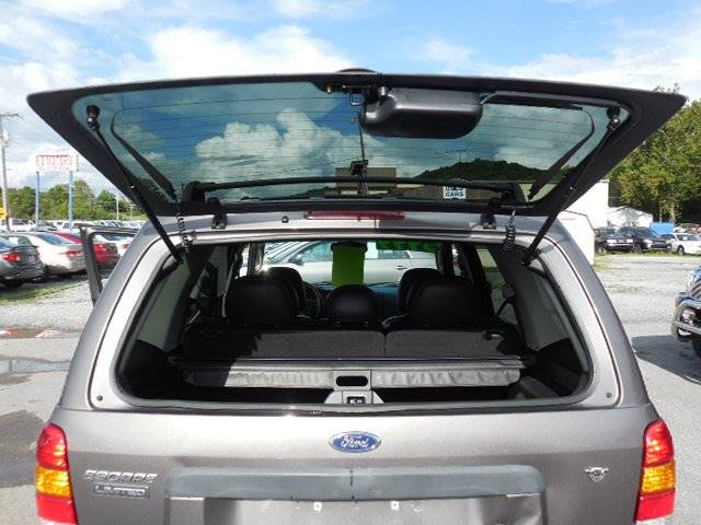 2005 Ford Escape Limited 4dr SUV - Kingsport TN