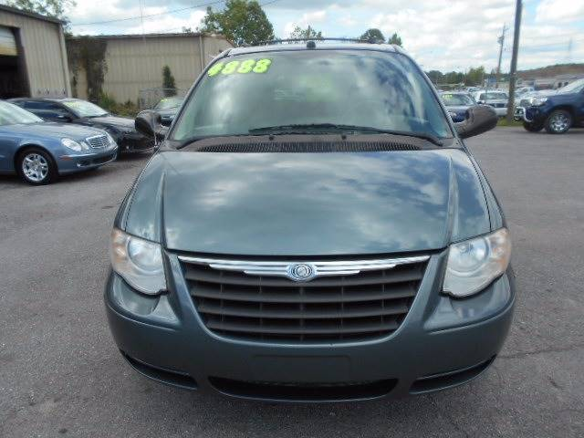 2005 Chrysler Town and Country Touring 4dr Extended Mini-Van - Kingsport TN