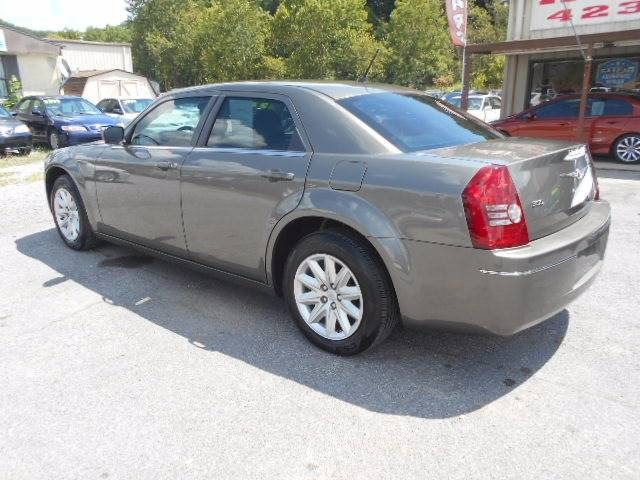 2008 Chrysler 300 LX 4dr Sedan - Kingsport TN