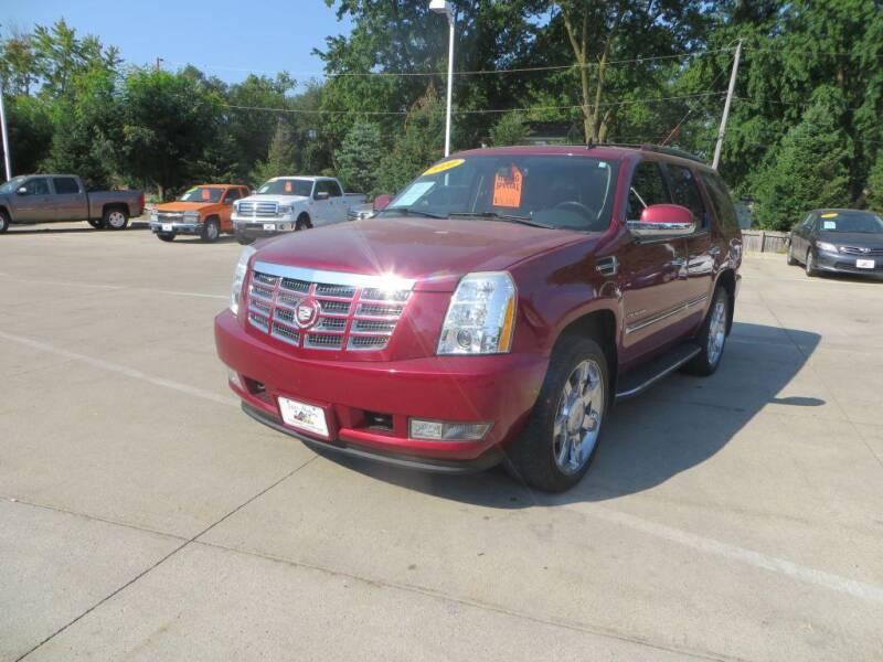 2010 Cadillac Escalade for sale at Aztec Motors in Des Moines IA