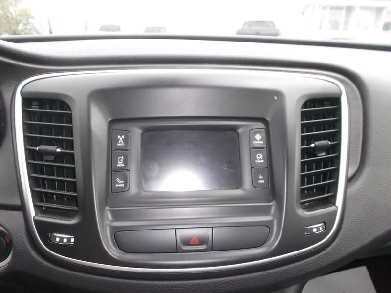 2015 Chrysler 200 Limited 4dr Sedan - Watertown NY