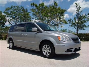 2013 Chrysler Town and Country for sale in Coconut Creek, FL