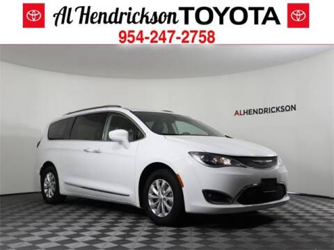 2019 Chrysler Pacifica Touring L for sale at AL HENDRICKSON TOYOTA in Coconut Creek FL