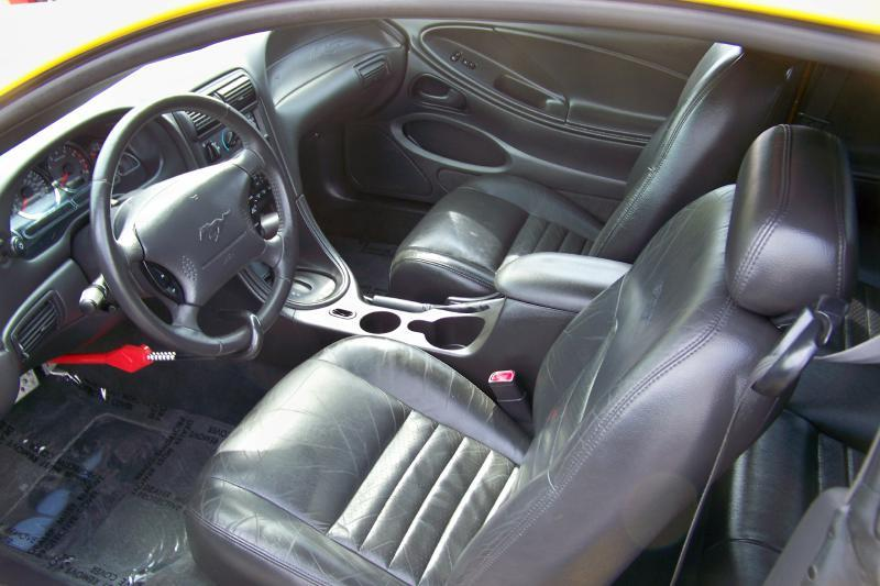 2004 Ford Mustang GT Deluxe 2dr Fastback - Mogadore OH