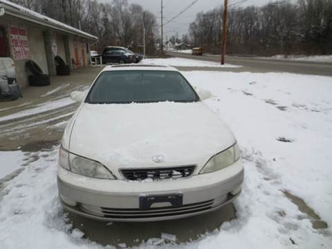 1997 Lexus ES 300 for sale at B & T Auto Sales & Repair in Columbus OH