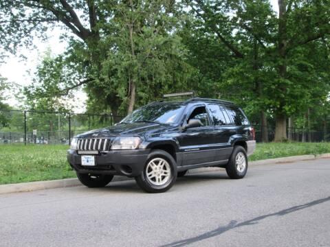 2004 Jeep Grand Cherokee Laredo for sale at Sam's Auto World in Roselle NJ