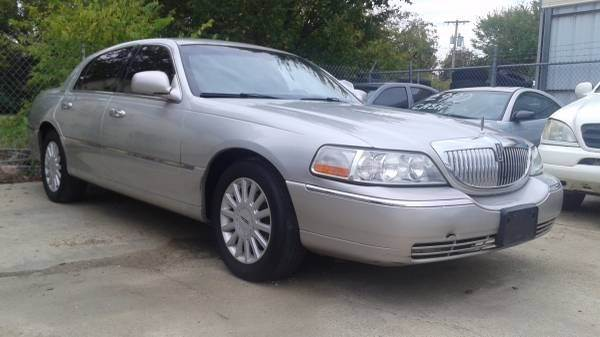 2005 lincoln town car	  2005 Lincoln Town Car Signature In Lewisville, TX - ADL Auto Sales