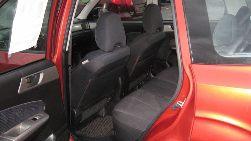 2010 Subaru Forester 2.5X (image 5)