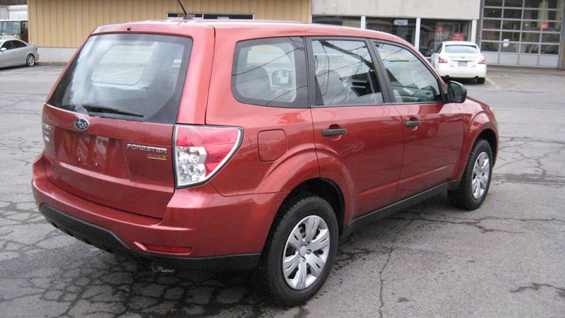 2010 Subaru Forester 2.5X (image 8)