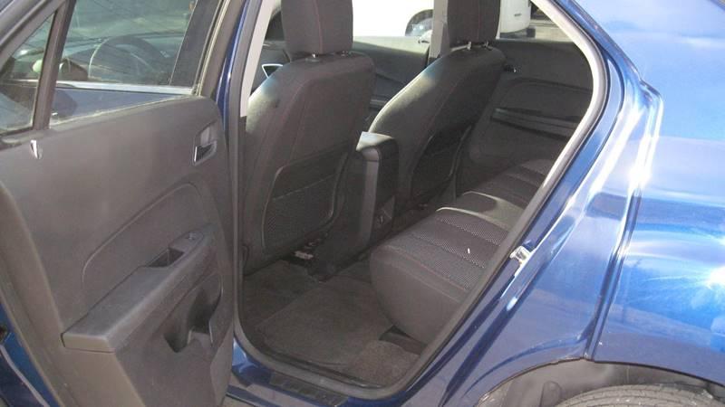 2010 Chevrolet Equinox LT (image 9)