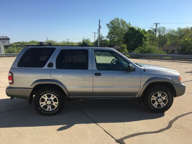 2000 Nissan Pathfinder 4dr SE 4WD SUV - Columbia MO