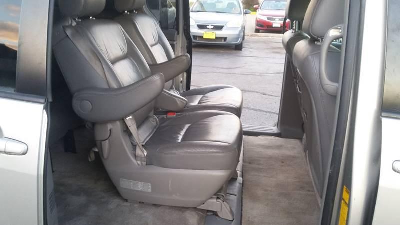 2006 Toyota Sienna XLE Limited 7-Passenger 4dr Mini-Van - Columbia MO