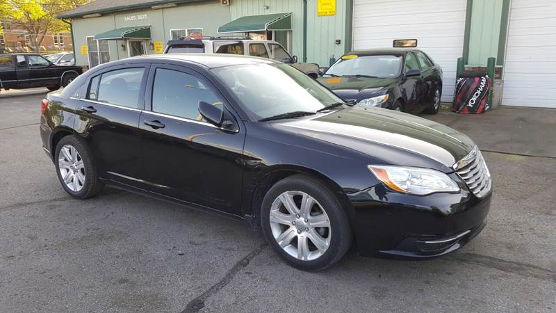 2012 Chrysler 200 LX 4dr Sedan - Columbia MO