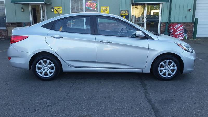 2012 Hyundai Accent GLS 4dr Sedan - Columbia MO