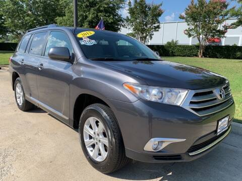 2012 Toyota Highlander for sale at UNITED AUTO WHOLESALERS LLC in Portsmouth VA