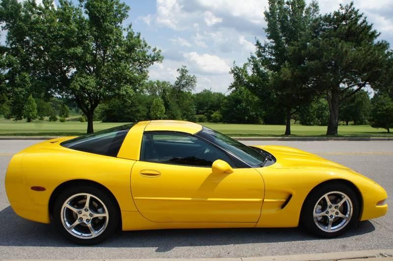 2001 Chevrolet Corvette 2dr Coupe - Saint Louis MO