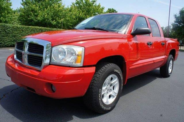 2005 Dodge Dakota 4dr Quad Cab SLT 4WD SB - Saint Louis MO