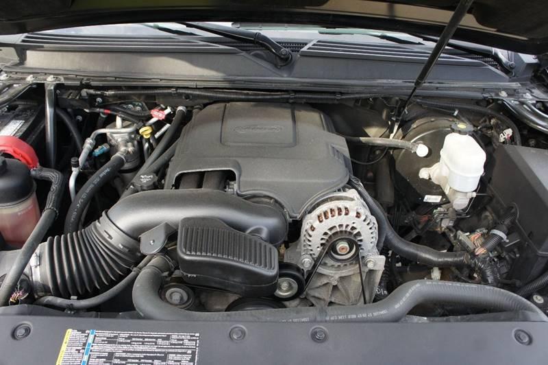 2008 Chevrolet Suburban 4x4 LTZ 1500 4dr SUV - Saint Louis MO