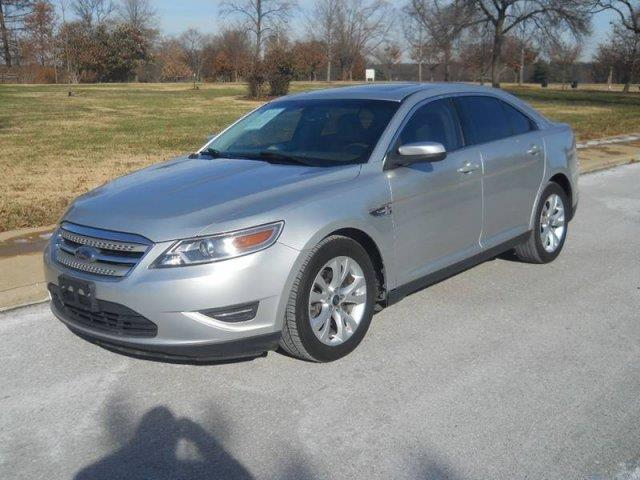 2010 Ford Taurus SEL 4dr Sedan - Saint Louis MO