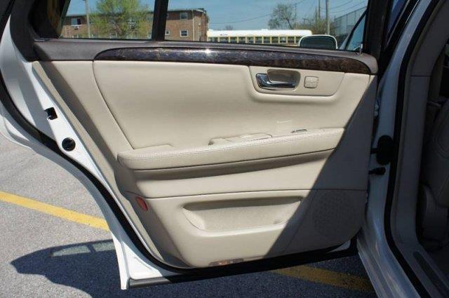 2009 Cadillac DTS Premium Luxury 4dr Sedan - Saint Louis MO