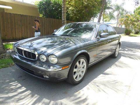 2004 Jaguar XJ-Series for sale at FINANCIAL CLAIMS & SERVICING INC in Hollywood FL
