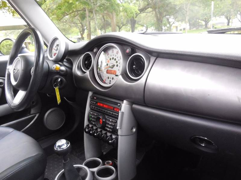 2005 MINI Cooper for sale at FINANCIAL CLAIMS & SERVICING INC in Hollywood FL