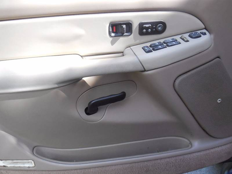 2002 GMC Yukon XL for sale at FINANCIAL CLAIMS & SERVICING INC in Hollywood FL