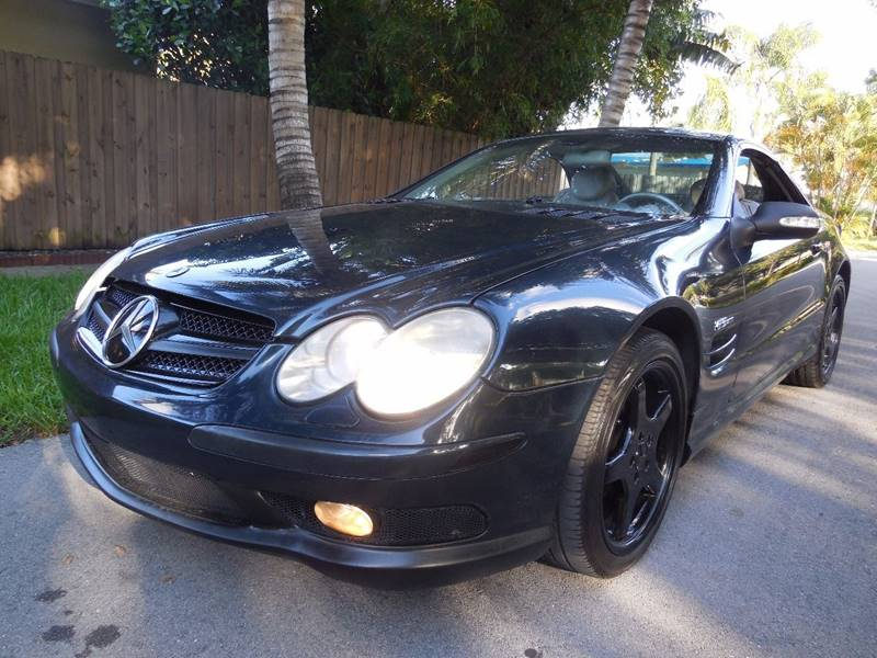 2003 Mercedes-Benz SL-Class for sale at FINANCIAL CLAIMS & SERVICING INC in Hollywood FL