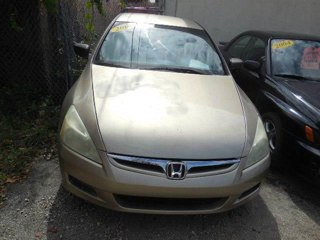 2005 Honda Accord for sale at FINANCIAL CLAIMS & SERVICING INC in Hollywood FL
