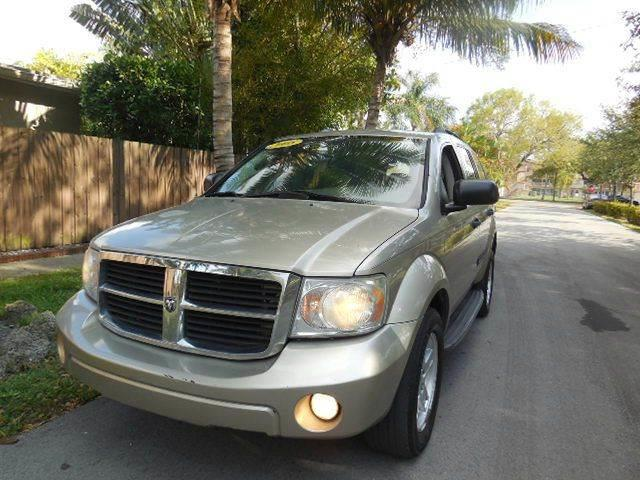 2008 Dodge Durango for sale at FINANCIAL CLAIMS & SERVICING INC in Hollywood FL