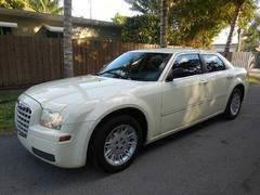 2007 Chrysler 300 for sale at FINANCIAL CLAIMS & SERVICING INC in Hollywood FL