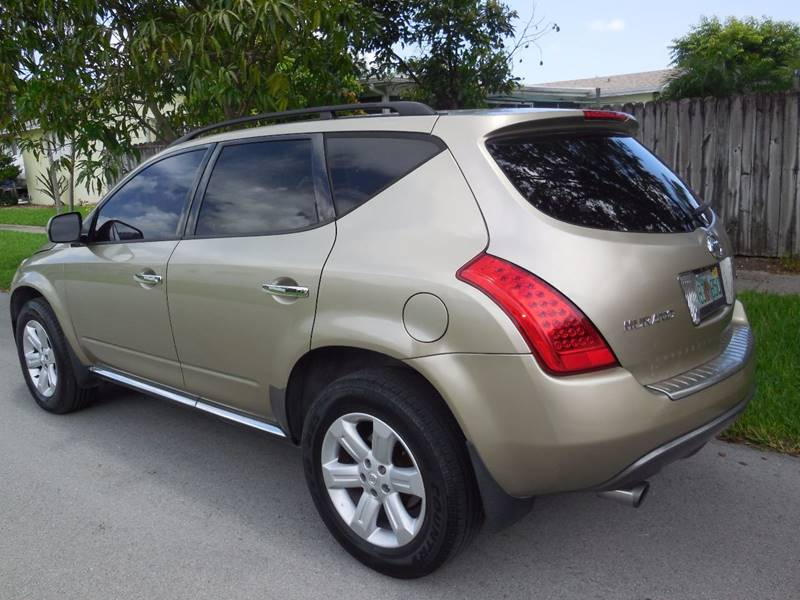 2006 Nissan Murano for sale at FINANCIAL CLAIMS & SERVICING INC in Hollywood FL