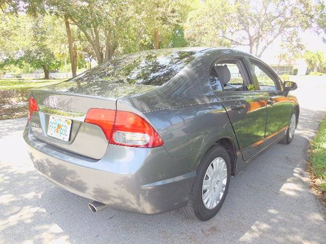 2010 Honda Civic for sale at FINANCIAL CLAIMS & SERVICING INC in Hollywood FL