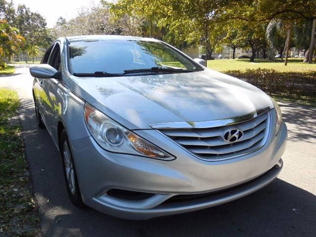 2011 Hyundai Sonata for sale at FINANCIAL CLAIMS & SERVICING INC in Hollywood FL