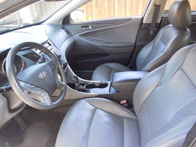 2011 Hyundai Sonata for sale at FINANCIAL CLAIMS & SERVICING INC in Hollywood FL