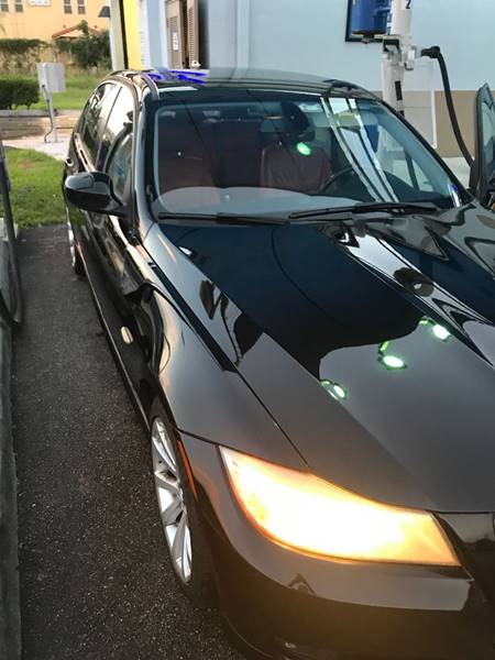 2010 BMW 3 Series for sale at FINANCIAL CLAIMS & SERVICING INC in Hollywood FL