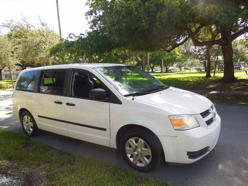 2008 Dodge Grand Caravan for sale at FINANCIAL CLAIMS & SERVICING INC in Hollywood FL