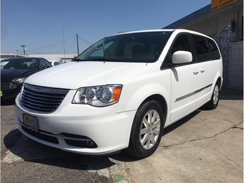 2016 Chrysler Town and Country for sale in Bellflower, CA