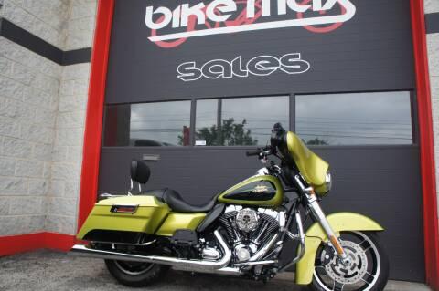 2011 Harley-Davidson Street Glide for sale at BIKEMAX, LLC in Palos Hills IL