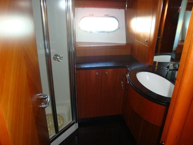 2006 Sunseeker 82  - Miami FL