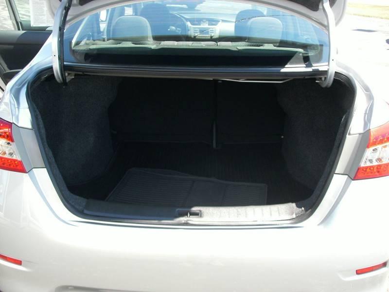2013 Nissan Sentra SR 4dr Sedan - Racine WI