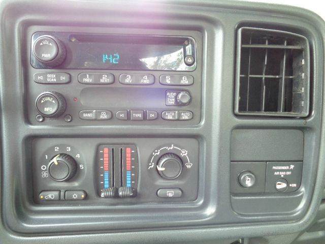 2005 Chevrolet Silverado 2500HD 2dr Standard Cab LS 4WD LB - Prospect CT