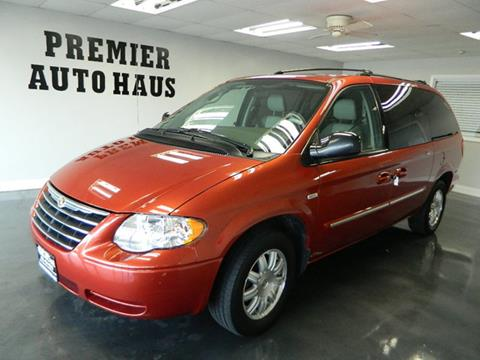 2006 Chrysler Town and Country for sale in Downers Grove, IL