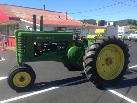 1952 John Deere A for sale at ELIZABETH AUTO SALES in Elizabeth PA