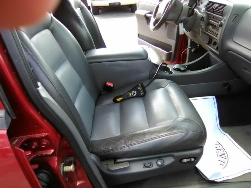 2004 Ford Explorer Sport Trac 4dr XLT 4WD Crew Cab SB - Somerset MA