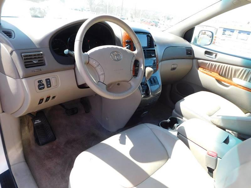 2006 Toyota Sienna XLE 7 Passenger