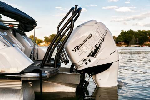 2018 CREST Savannah Tritoon 250 NX