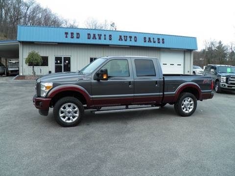 2015 Ford F-250 Super Duty Lariat for sale at Ted Davis Auto Sales in Riverton WV