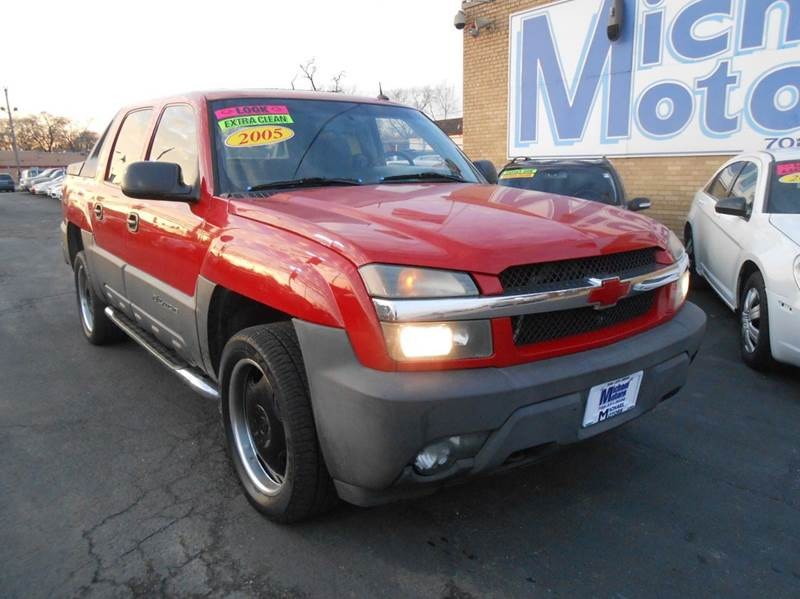 2005 Chevrolet Avalanche for sale at Michael Motors in Harvey IL