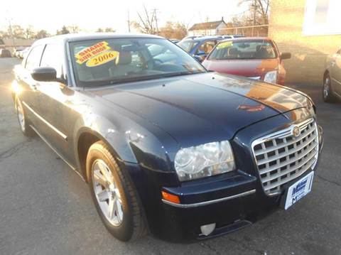 2006 Chrysler 300 for sale at Michael Motors in Harvey IL
